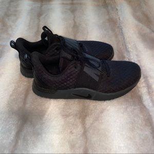 Nike women's gym shoes